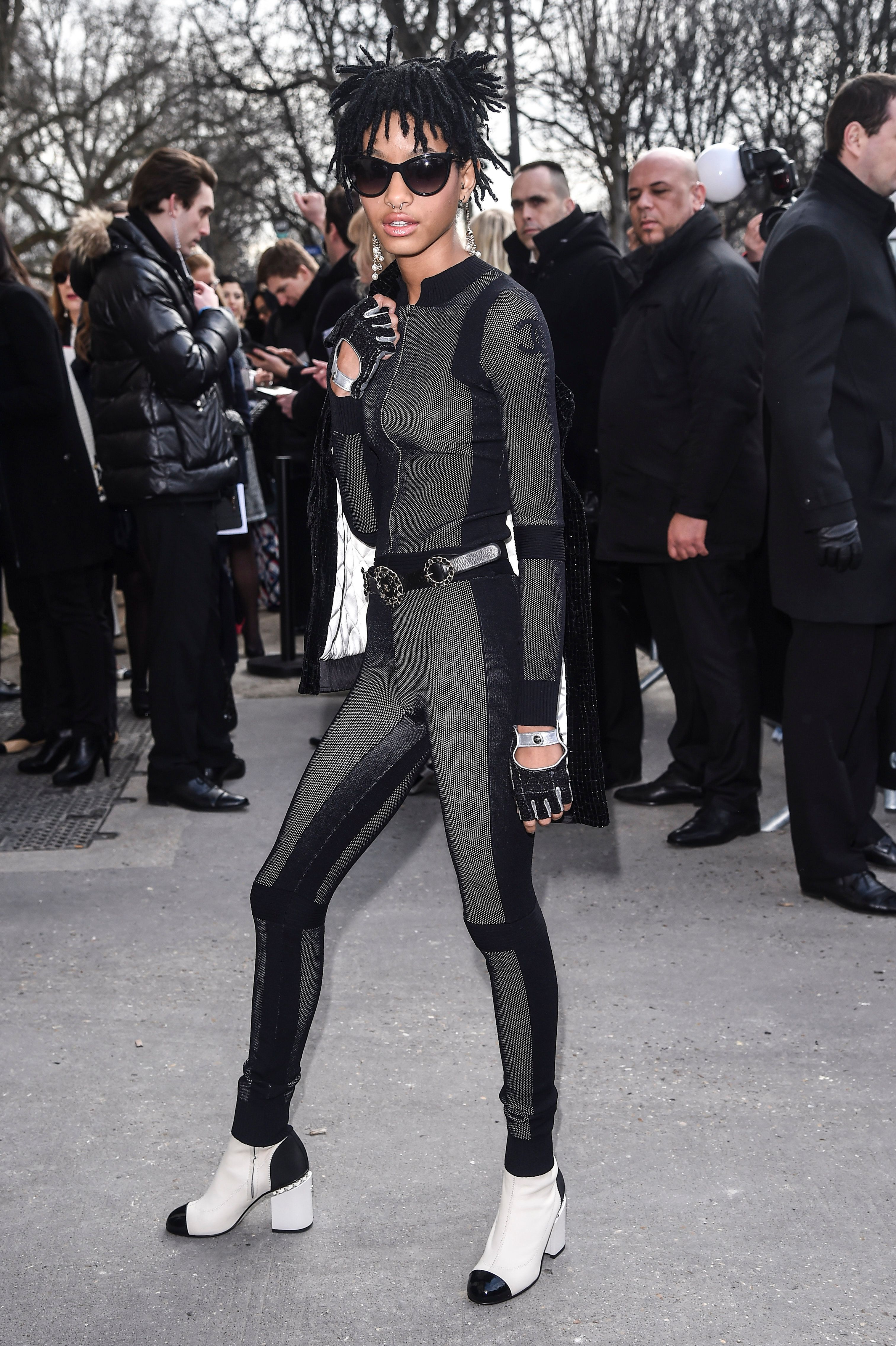 PARIS, FRANCE - MARCH 08:  Willow Smith is seen arriving at Chanel Fashion show during Paris Fashion Week : Womenswear Fall Winter 2016/2017 on March 8, 2016 in Paris, France.  (Photo by Jacopo Raule/GC Images)