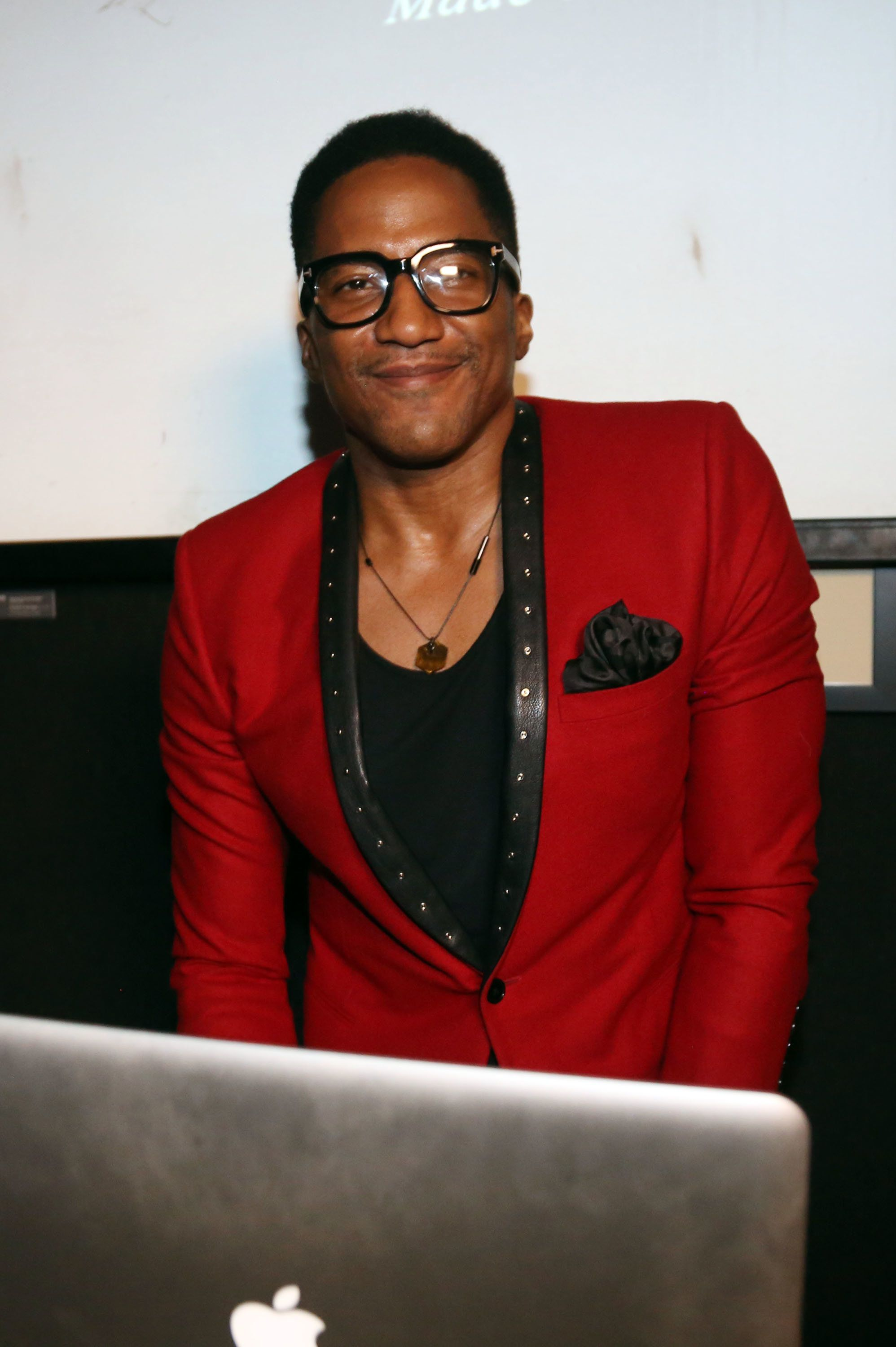 NEW YORK, NY - MAY 29:  Q-tip spins at the FLATT Book #7 Launch Party at The National Arts Club on May 29, 2014 in New York City.  (Photo by Johnny Nunez/WireImage)
