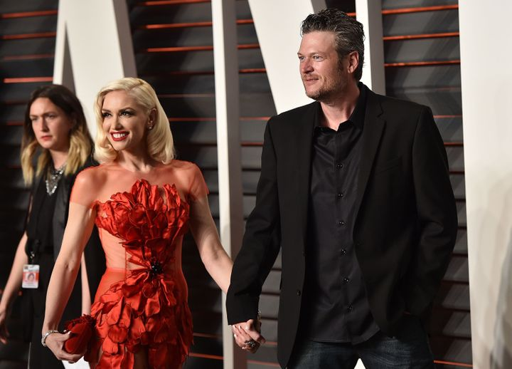 Recording artists Gwen Stefani (L) and Blake Shelton arrive at the 2016 Vanity Fair Oscar Party Hosted By Graydon Carter&nbsp