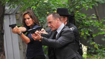 NEW YORK - JULY 15:  ***EXCLUSIVE COVERAGE*** Mariska Hargitay and Christopher Meloni first day filming on location for 'Law & Order: SVU' 12th season on the streets of Manhattan on July 15, 2010 in New York City.  (Photo by Bobby Bank/WireImage)