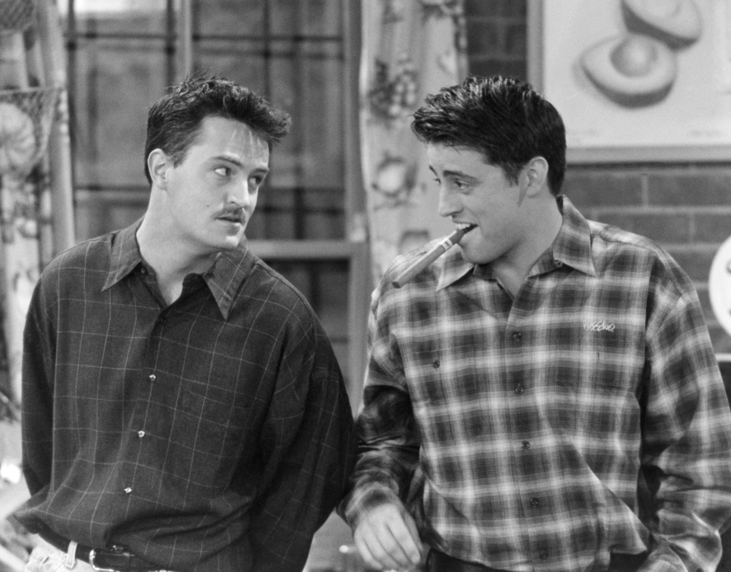 FRIENDS -- 'The One Where Old Yeller Dies' Episode 20 -- Air Date 04/04/1996 -- Pictured: (l-r) Matthew Perry as Chandler Bing, Matt LeBlanc as Joey Tribbiani  (Photo by NBC/NBCU Photo Bank via Getty Images)