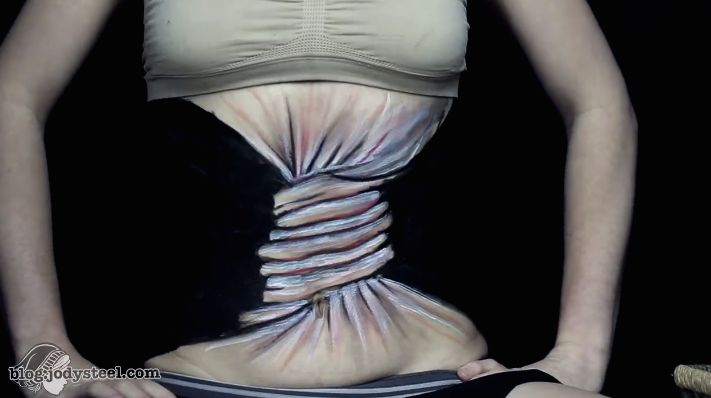 24時間で4千万回以上再生された動画が「理想の体」について伝えること