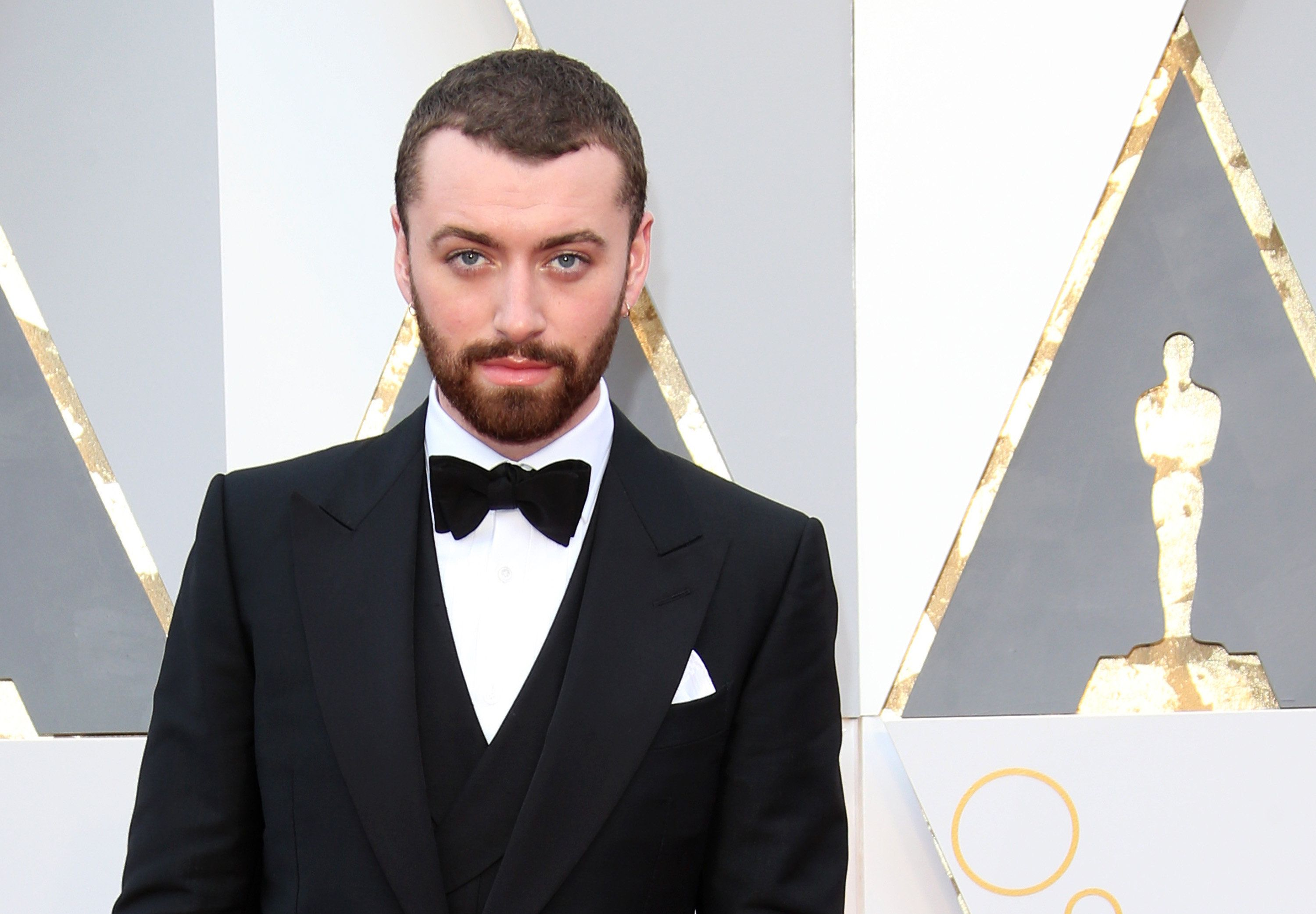 HOLLYWOOD, CA - FEBRUARY 28: Singer Sam Smith attends the 88th Annual Academy Awards at Hollywood & Highland Center on February 28, 2016 in Hollywood, California. (Photo by Dan MacMedan/WireImage)