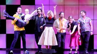 BEVERLY HILLS, CA - MARCH 09:  (L-R) Actors Jim Parsons, Melissa Rauch, Kunal Nayyar, Kaley Cuoco, Simon Helberg, Mayim Bialik and Johnny Galecki perform onstage during the 24th and final 'A Night at Sardi's' to benefit the Alzheimer's Association at The Beverly Hilton Hotel on March 9, 2016 in Beverly Hills, California.  (Photo by Jesse Grant/Getty Images)