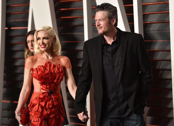 Gwen Stefani and Blake Shelton arrive at the 2016 Vanity Fair Oscar Party inFebruary 2016.