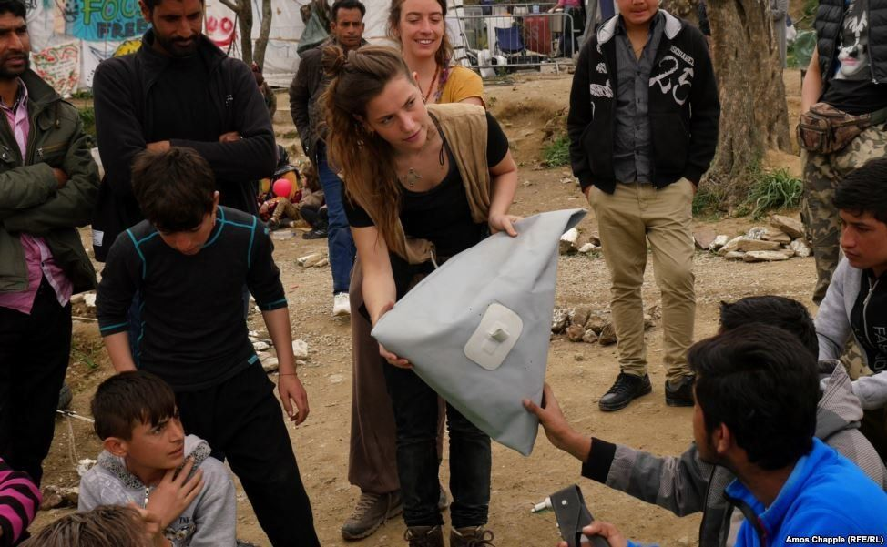 Nagler engaged in a workshop withmigrants and refugees.<br><br><br><br>