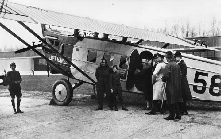 Brave people board Deutsche Lufthansa's Dornier Komet III flightfrom Berlin to Zurich in 1926.