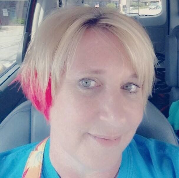 7 Women Over 50 On Why They\'re Dyeing Their Hair Crazy Colors | HuffPost