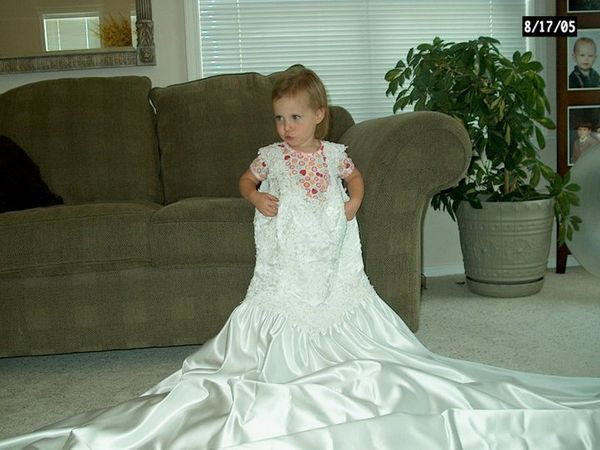Mom takes annual pic of daughter in wedding gown to watch for Dress for my brothers wedding