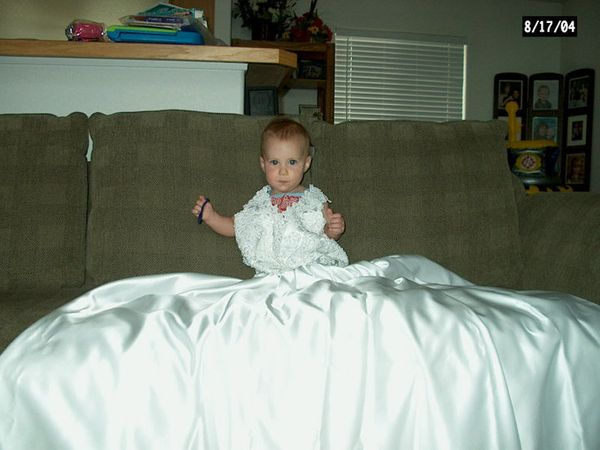 Wedding Dress For 40 Year Old Brides: Mom Takes Annual Pic Of Daughter In Wedding Gown To Watch