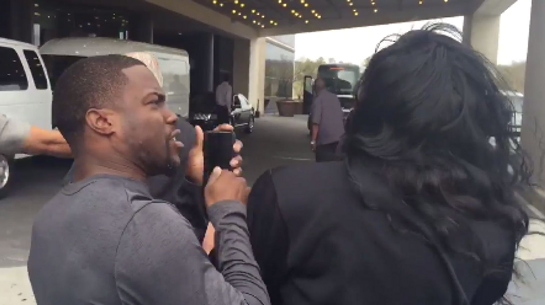 Kevin Hart Blatantly Cheats To Win Race Against LSU Track Star