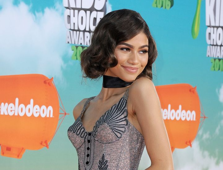 Zendaya arrives at Nickelodeon's 2016 Kids' Choice Awards on March 12, 2016.
