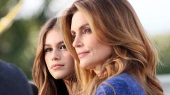 LOS ANGELES, CA - NOVEMBER 04: Model Kaia Gerber and Cindy Crawford are seen on November 04, 2015 in Los Angeles, California.  (Photo by JB Lacroix/GC Images)