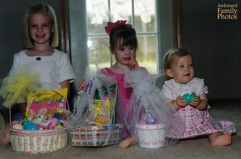 Easter 2017: 12 Awkward Family Photos That Capture The 'Magic' Of The Easter Holiday for