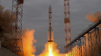 A Russian Proton-M rocket carrying the ExoMars 2016 spacecraft blasts off from the launch pad at the Russian-leased Baikonur cosmodrome on March 14, 2016. AFP PHOTO / KIRILL KUDRYAVTSEV / AFP / KIRILL KUDRYAVTSEV        (Photo credit should read KIRILL KUDRYAVTSEV/AFP/Getty Images)