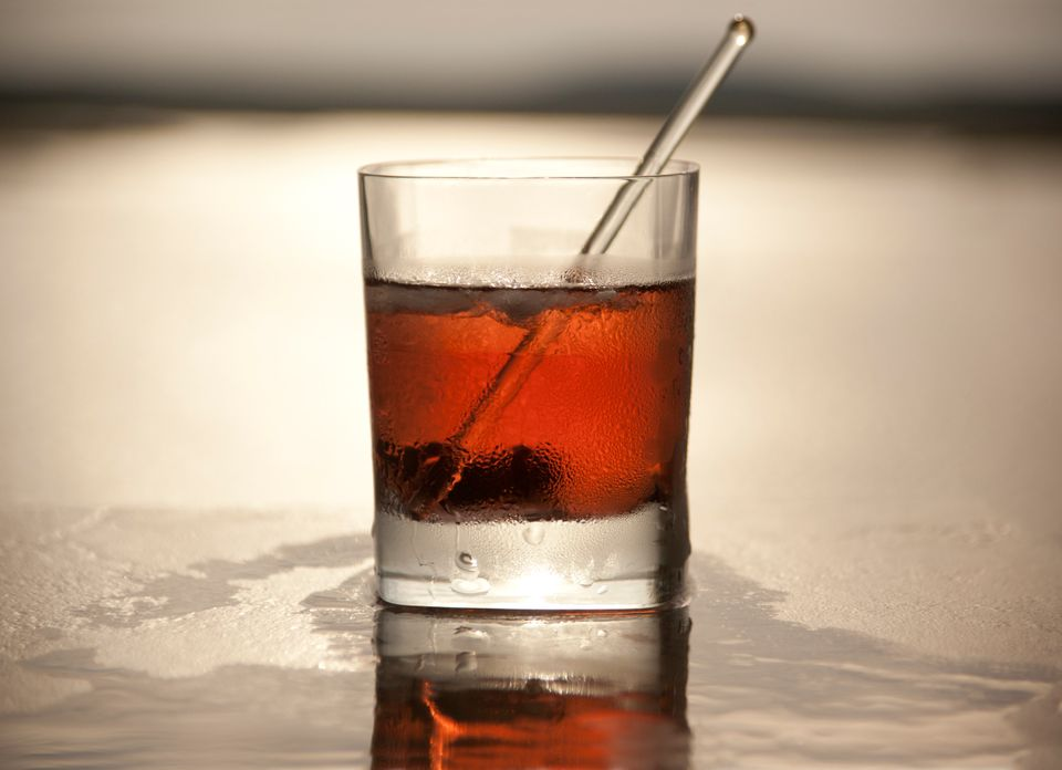 2 ounces rye<br>1 ounce sweet vermouth<br>Dash of bitters<br><br>Combine and serve up or on the rocks.