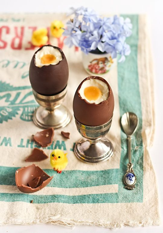 """<strong>Get the <a href=""""http://www.raspberricupcakes.com/2012/04/cheesecake-filled-chocolate-easter-eggs.html"""" target=""""_blan"""