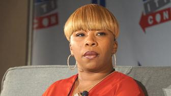 LOS ANGELES, USA - OCTOBER 10:  Lesley McSpadden, mother of slain 18-year old Michael Brown Jr, is seen during a panel at Politicon, the event bringing together fans of politics and entertainment, at Los Angeles Convention Center, United States on October 10, 2015. (Photo by Mintaha Neslihan Eroglu/Anadolu Agency/Getty Images)