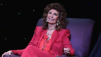 ATLANTIC CITY, NJ - MARCH 11:  Sophia Loren talks to the audience at The Borgata Event Center on March 11, 2016 in Atlantic City, New Jersey.  (Photo by Donald Kravitz/WireImage)