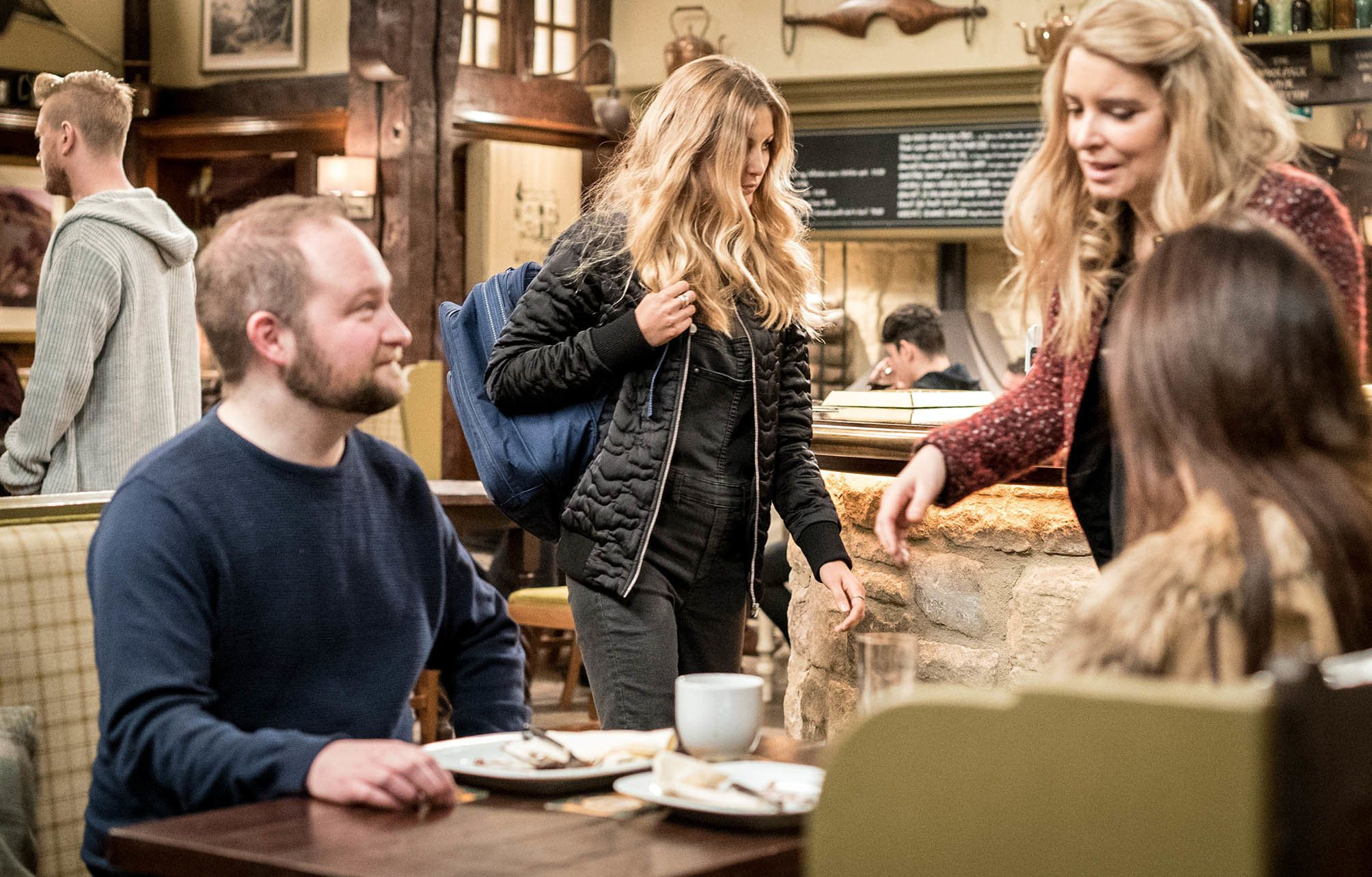 'Emmerdale' Spoiler! Holly Teams Up With Troublesom