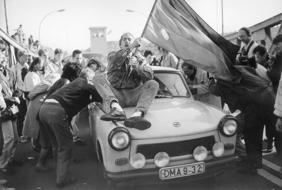 A Trabi car crossing the border at the Bornholm Bridge in Wedding on November 10, 1989 during the fall of the Berlin wall.&nb