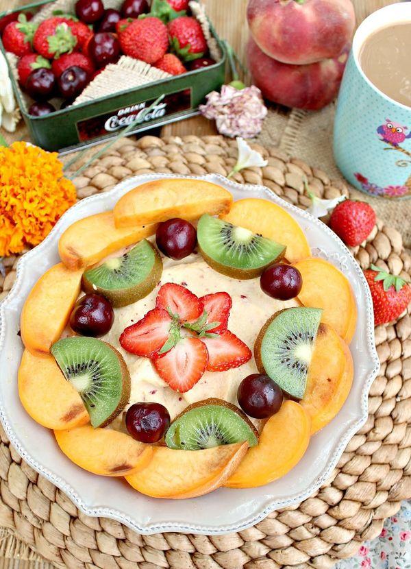 """Get the <a href=""""http://www.theclevercarrot.com/2012/08/blackberry-nectarine-tart/"""" target=""""_blank"""">Blackberry Nectarine Tart"""