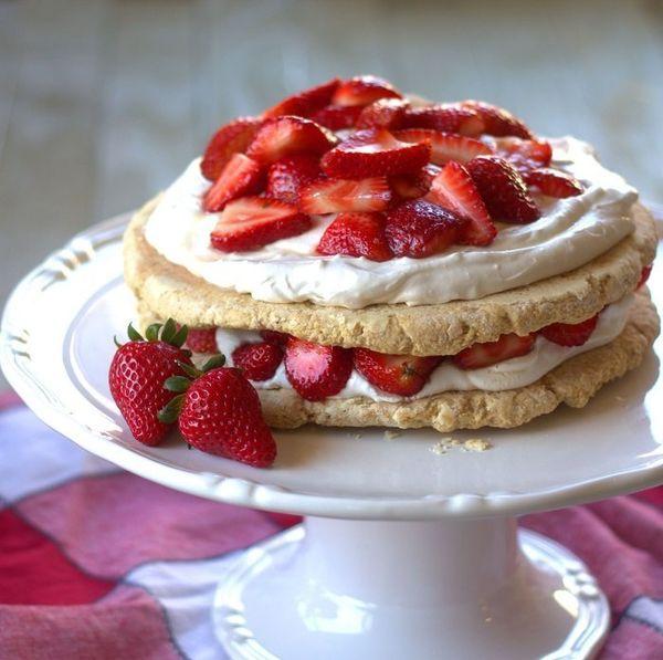 "Get the <a href=""http://www.connoisseurusveg.com/2015/04/maple-ginger-vegan-strawberry-shortcake.html"" target=""_blank"">Maple"