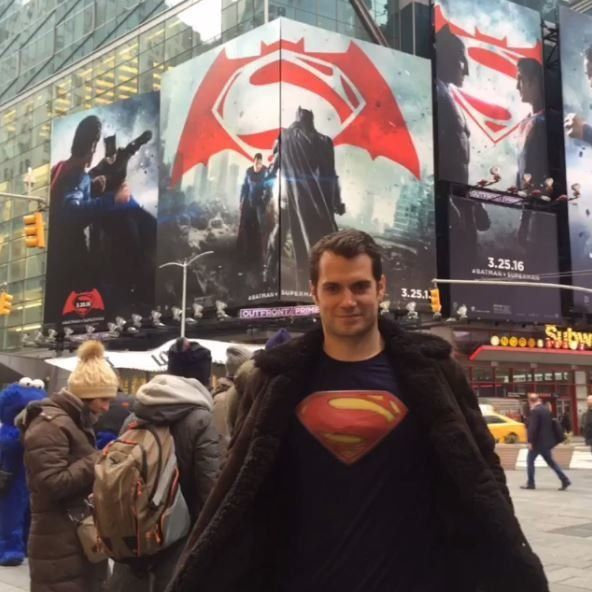 Henry Cavill Brilliantly Proves A Point About Superman's