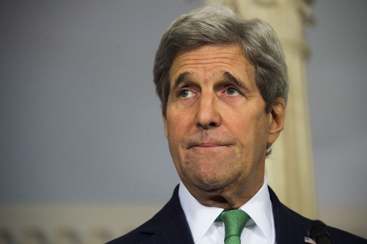 Secretary of State John Kerry delivers a statement on Syria at the State Department in Washington, DC, March 15, 2016.
