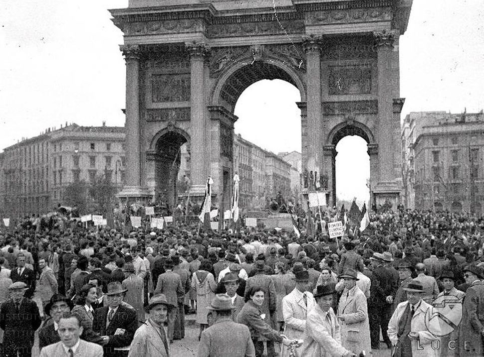 May Day celebrations at the Arco della Pace, Milan. 1945.