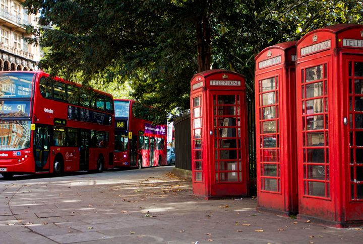 Red phone boxes topped the Samsung Galaxy S6 Great British Design Study, in second place was the equally recognizable double decker bus.