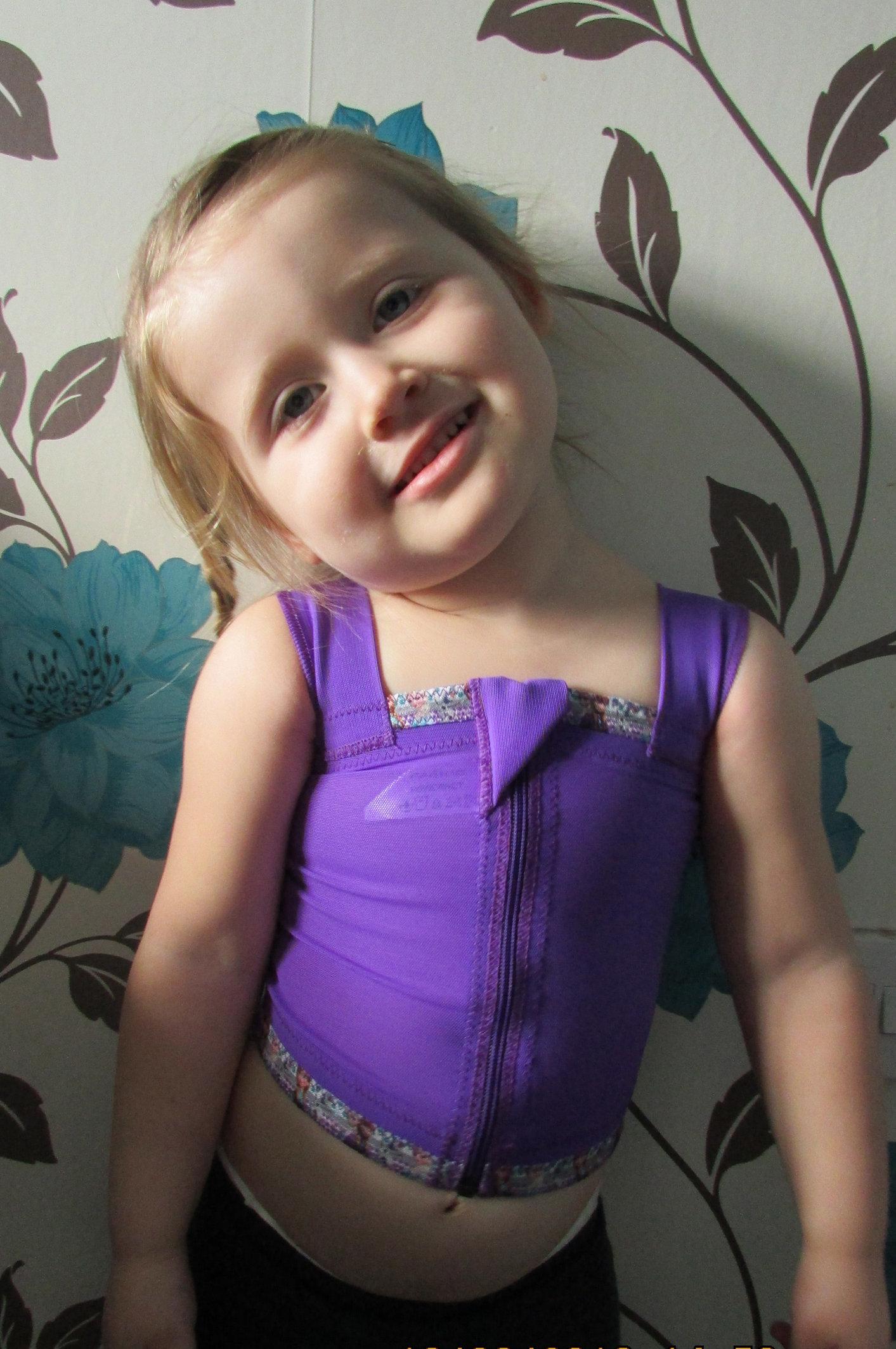 Bella Davey-Lawrence wearing her Frozen-inspired pressure