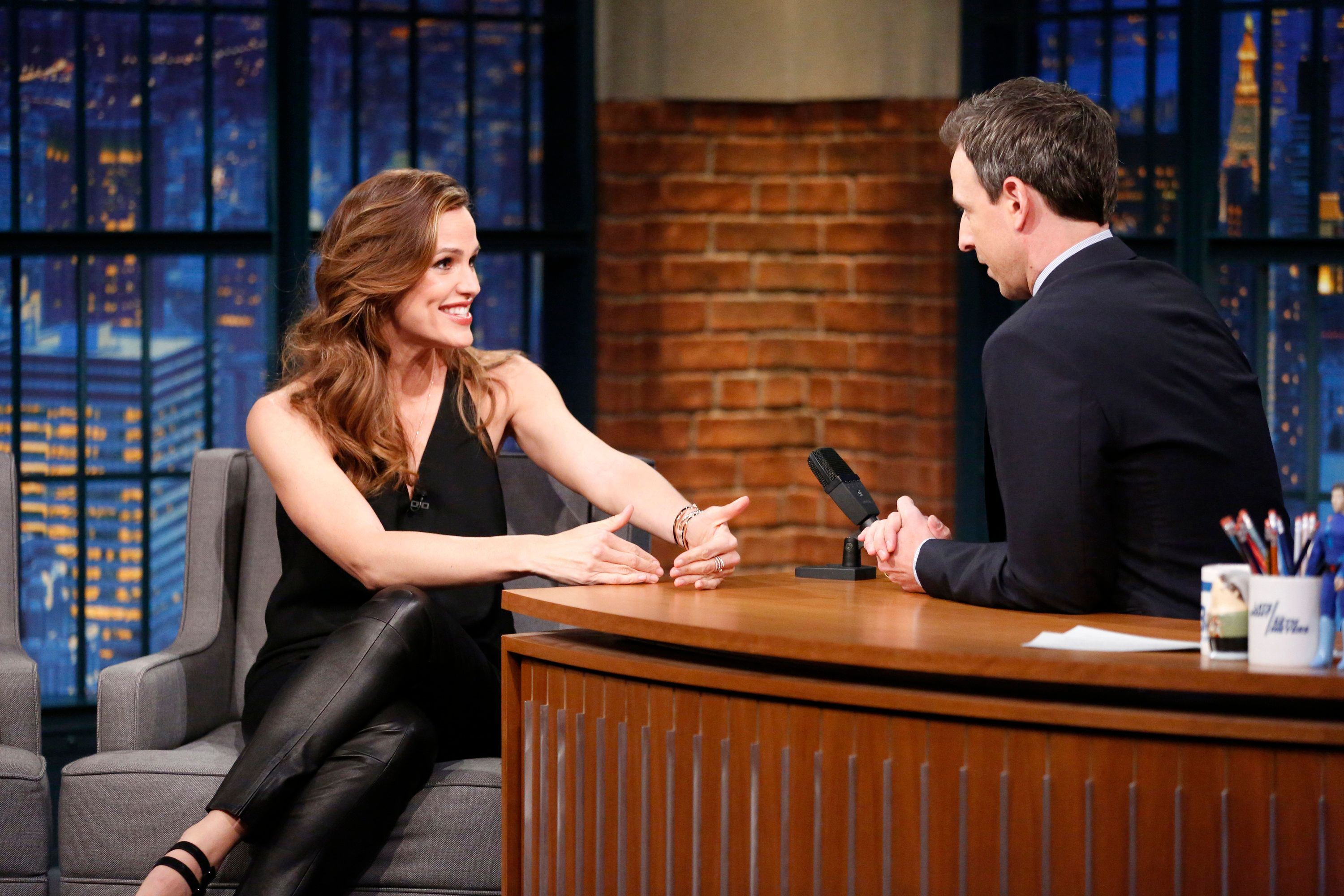Jennifer Garner offered some honest parenting advice to soon-to-be dad Seth Meyers.