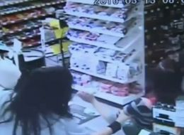 Quick-Thinking Clerk Grabs Baby From Mom As She Collapses From Seizure