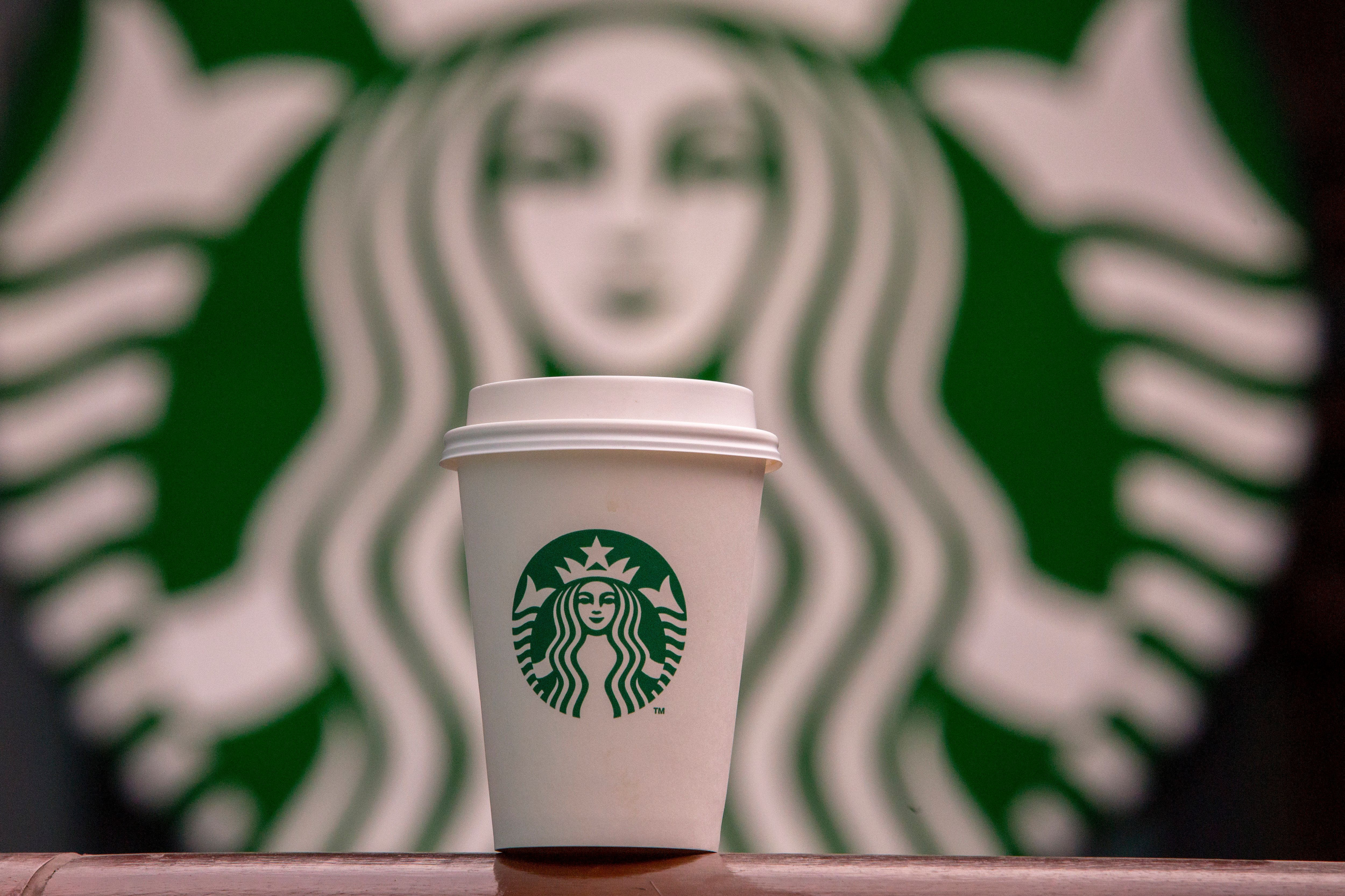 Starbucks had previously offered a 25 pence per cup discount if people brought their own mugs to
