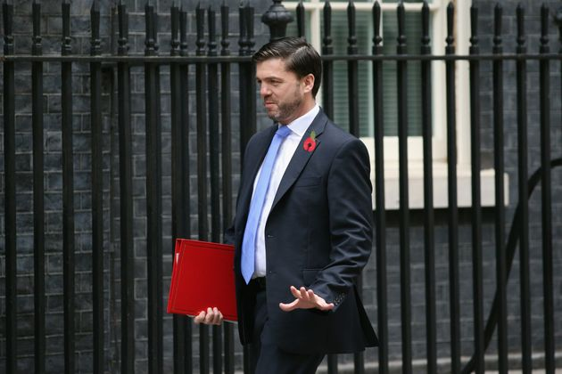 Stephen Crabb arrives at Downing Street for a cabinet meeting on October 27, 2015 in London,