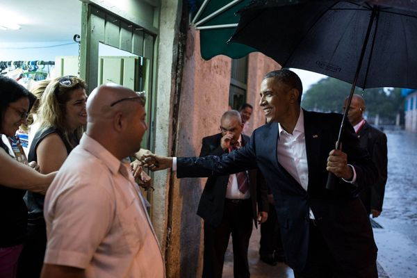 Obama greets people in Old Havana.