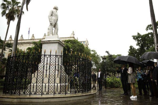 The Obama familyand Marian Robinson take a walking tour of Old Havana.Eusebio Leal Spengler, Historian of Havana,