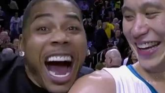 Nelly photobombed Jeremy Lin after the point guard's massive night.