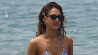 Jessica Alba paddle boarding on her Hawaii vacation.<P>Pictured: Jessica Alba<B>Ref: SPL1242052  220316  </B><BR/>Picture by: starsurf / Splash News<BR/></P><P><B>Splash News and Pictures</B><BR/>Los Angeles:310-821-2666<BR/>New York:212-619-2666<BR/>London:870-934-2666<BR/>photodesk@splashnews.com<BR/></P>