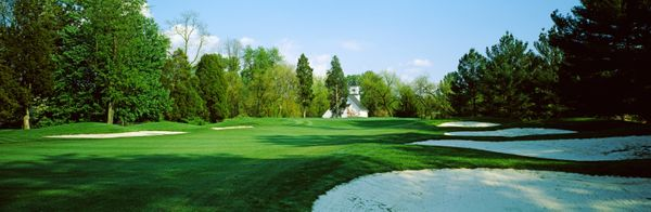 This town, located close to Washington, D.C., has one of the greatest concentrations of golf courses in the nation, including
