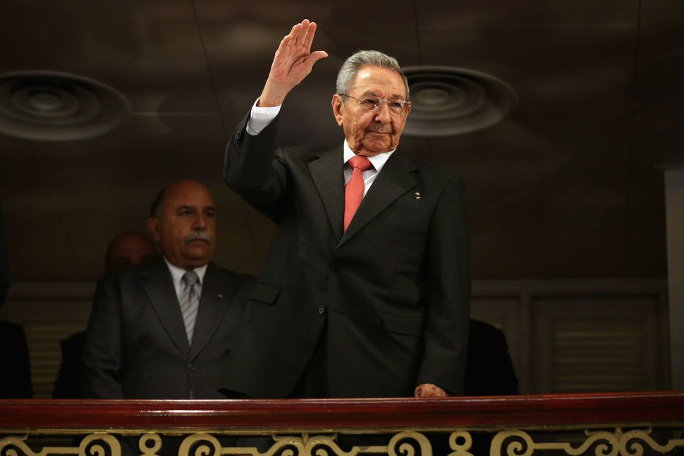 Cuban President Raúl Castro acknowledges applause as he arrives at Havana's Gran Teatro on March 22.