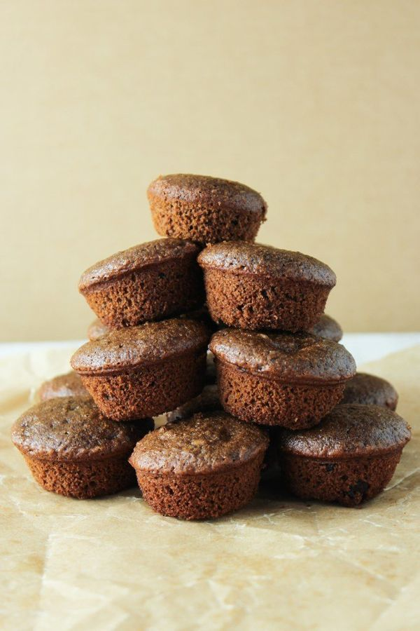 """Get the <a href=""""http://thefitchen.com/2015/03/13/20-minute-gluten-free-brownies/"""" target=""""_blank"""">20-Minute Gluten Free Brow"""