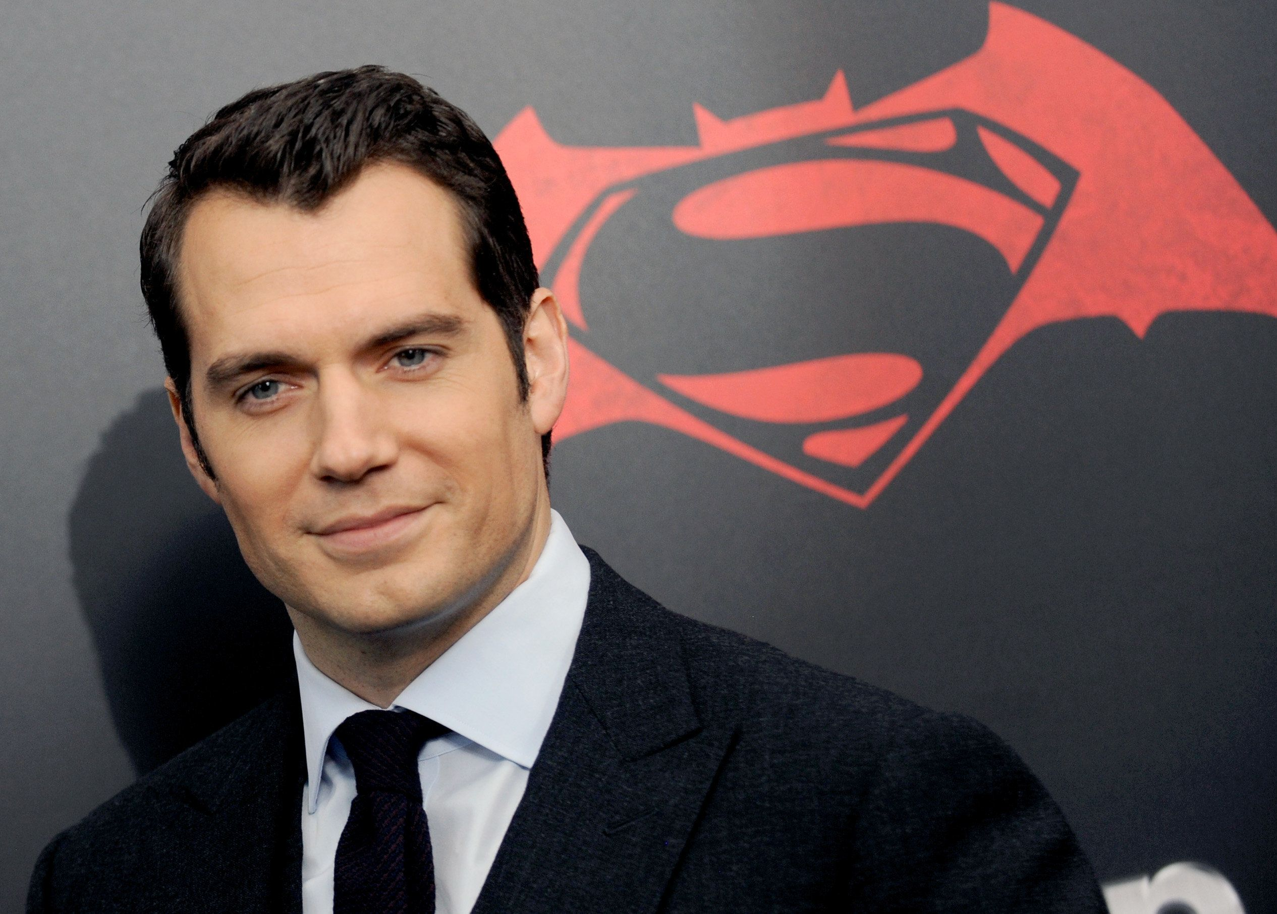 Henry Cavill wants to play James