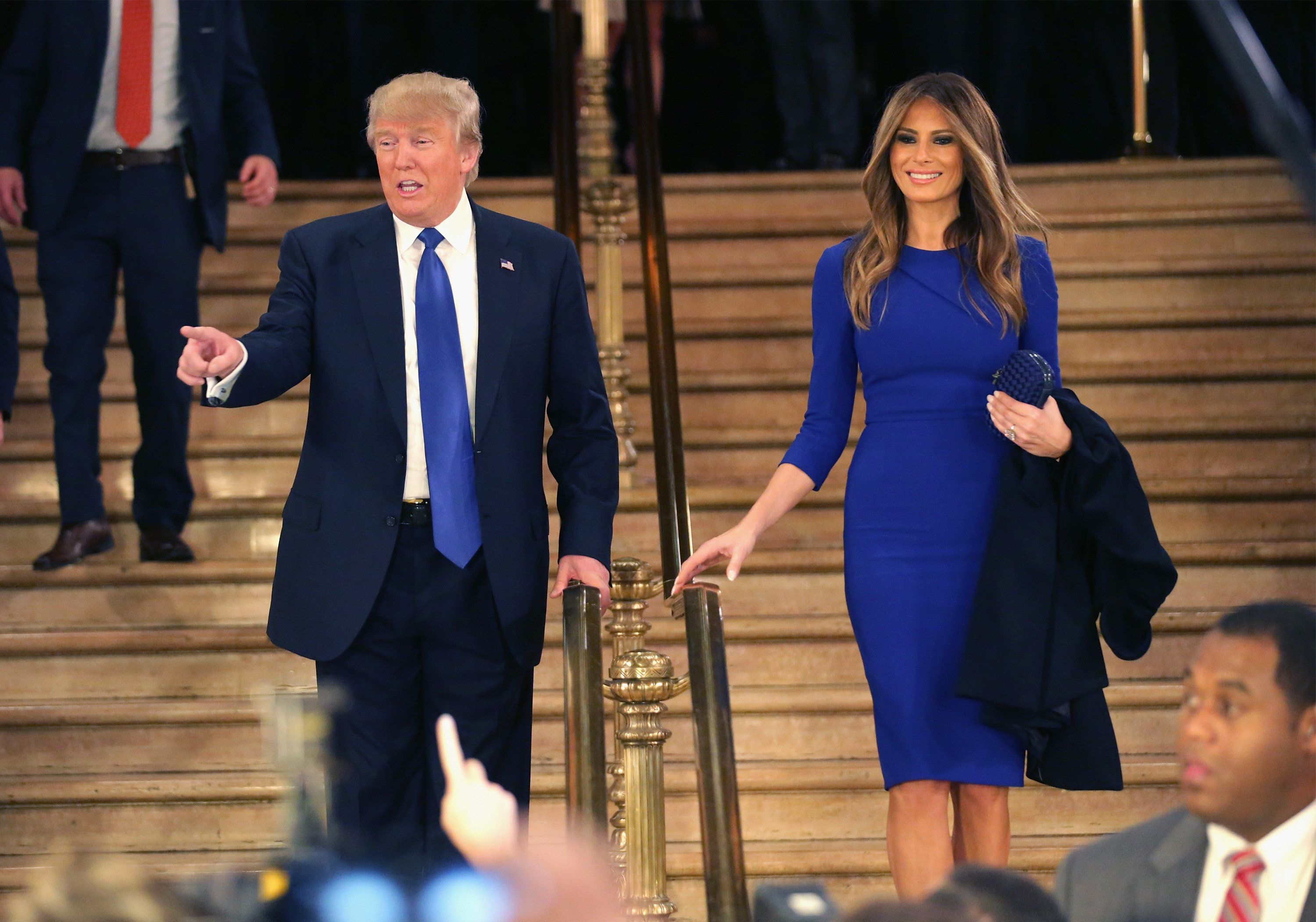 witnessing trumps wife - HD1910×1000