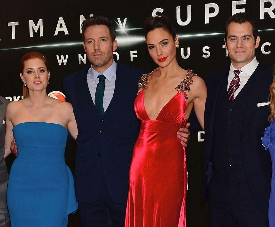 LONDON, ENGLAND - MARCH 22: (L-R) Amy Adams, Ben Affleck, Gal Gadot and Henry Cavill attend the European Premiere of 'Batman