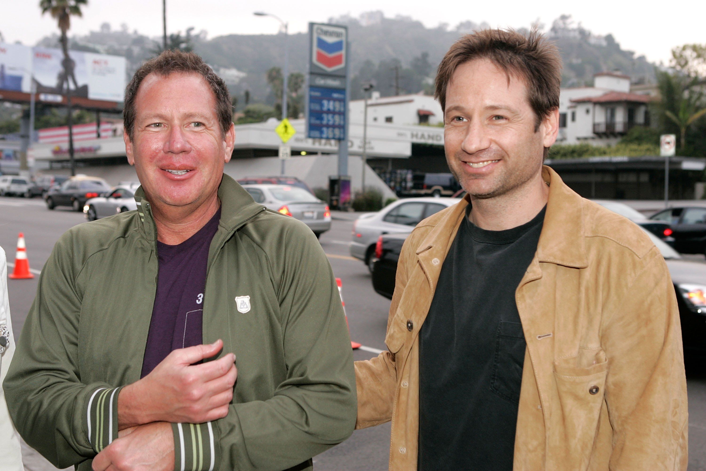 LOS ANGELES, CA - MAY 16:  Comedian Garry Shandling (L) and actor David Duchovny arrive at the Los Angeles Premiere Of 'An Inconvenient Truth' held at the DGA on May 16, 2006 in Los Angeles, California.  (Photo by Kevin Winter/Getty Images)