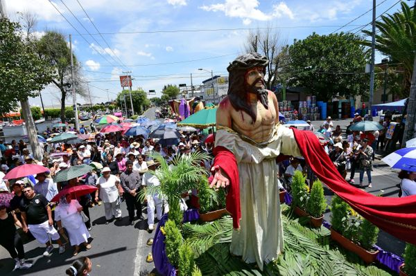 Penitents and pilgrims during the procession for the Passion of Jesus Christ on Good Friday in Mexico City, on March 25, 2016