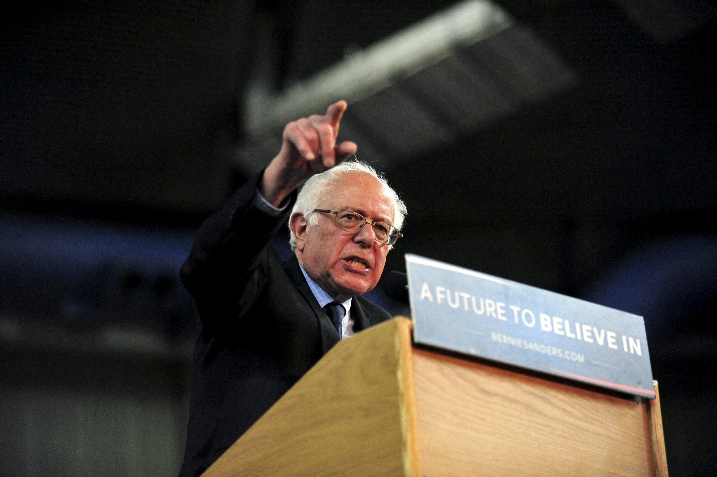 Democratic presidential candidate Bernie Sanders speaks at a campaign event in Yakima, Washington March 24, 2016. REUTERS/Michael Lopez        EDITORIAL USE ONLY. NO RESALES. NO ARCHIVE