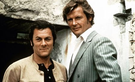 Roger Moore with Tony Curtis in 'The